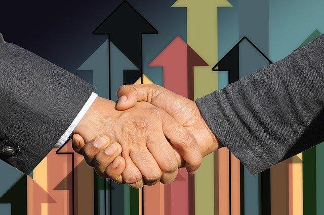 עריכת הסכם קנייה או מכירה של תיק ביטוח